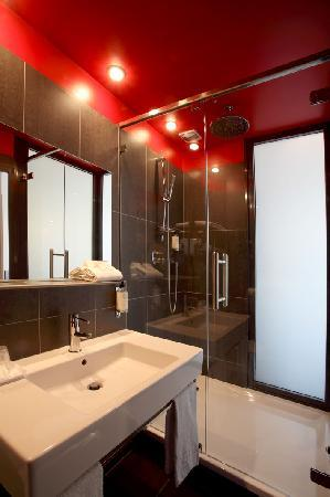 Habitaci n picture of best western grand hotel francais for Salle de bain contemporaine