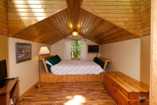 Door County Cottages: Lincoln: The loft sleeping area has two skylights above the sitting area as well.