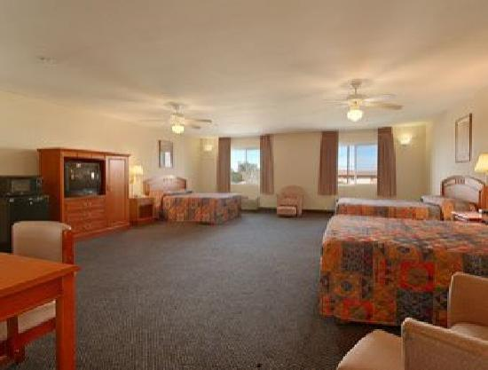 Americas Best Value Inn: Family Suite