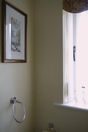 Finches Bed and Breakfast: 11) Picture, towel ring and window in the bathroom at Finches B&amp;B 03.07.11 1602