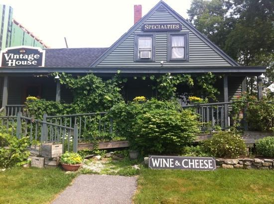 Boothbay Resort: their wine & cheese shop