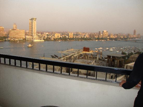 Sheraton Cairo Hotel, Towers & Casino: her nile view