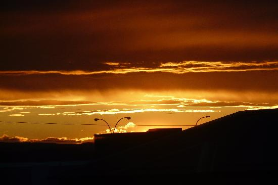 Holiday Inn Express & Suites Airport - Calgary: Sunset at dusk from 4th floor window, Room 4**
