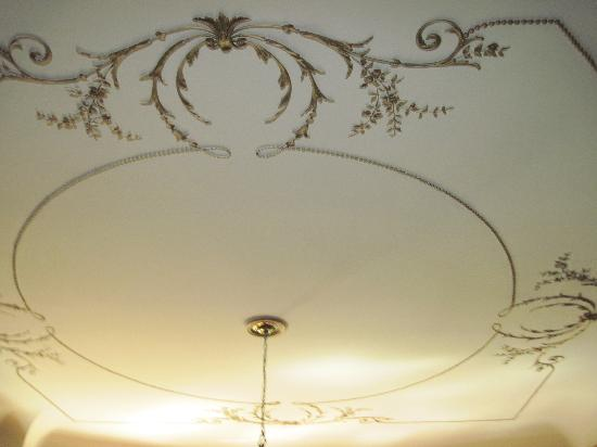 Market Street Inn: decor on large dining room ceiling