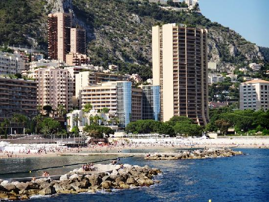 the hotel seen from further avenue princesse grace picture of le meridien plaza