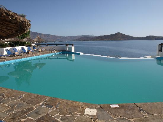 Aquila Elounda Village Hotel: The brilliant pool