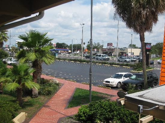 Howard Johnson Express Inn - Tampa North/Busch Gardens: from my balcony