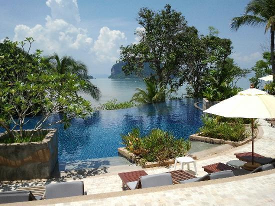 Koh Yao Yai, Thaïlande : Sea View From the Pool Area