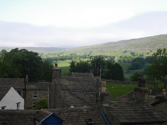 Hawes, UK: Fell view (Seen from  window)
