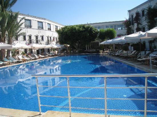 Marina Vista Bodrum: Poolside