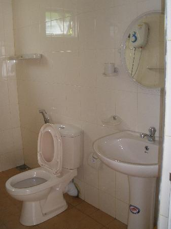 Beach Haven Guest House: New Bathrooms