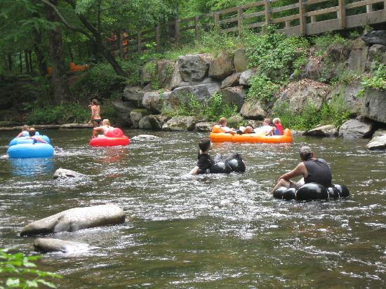 Bryson City,  : people tubing