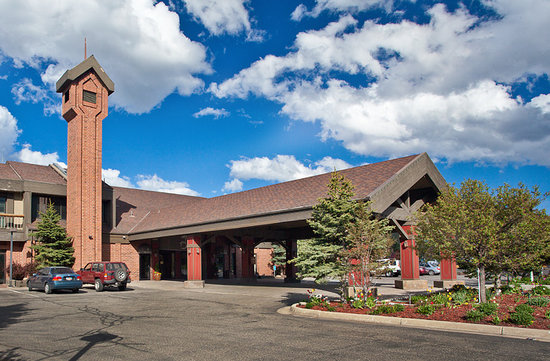 Yarrow Hotel and Conference Center: Yarrow Hotel Exterior