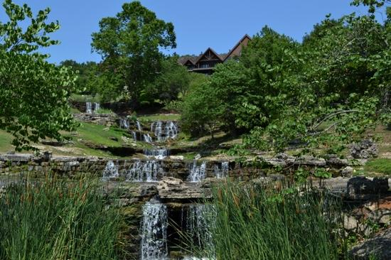 Ridgedale, MO: View of Falls Lodge