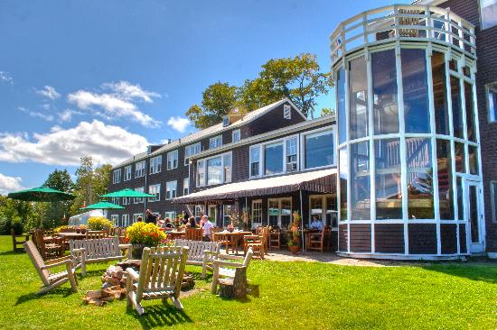 The Mountain Top Inn & Resort: The Terrace and The Mountain Top Inn in Chittenden VT