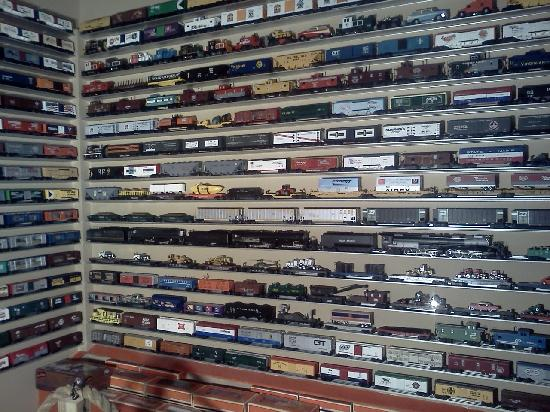 Largest lionel train store nyc