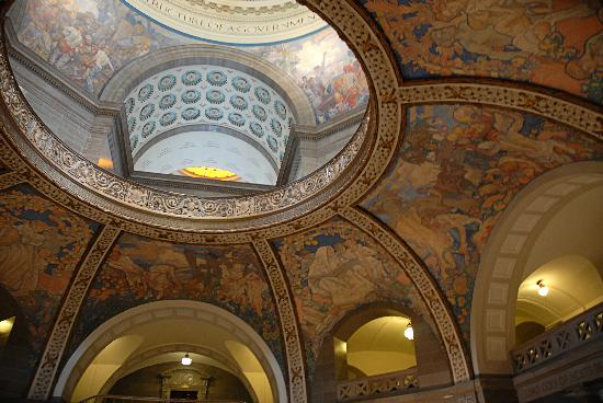 Jefferson City, MO: The Missouri State Capitol was named the 'most beautiful on the interior' of all 50 state capito
