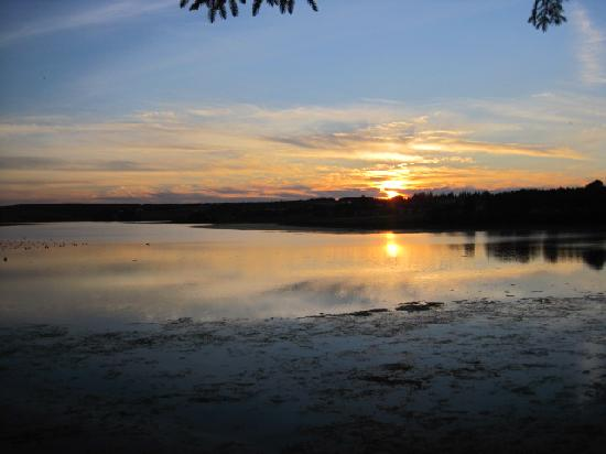 Rustico, Canada: Sunset from the cottage deck