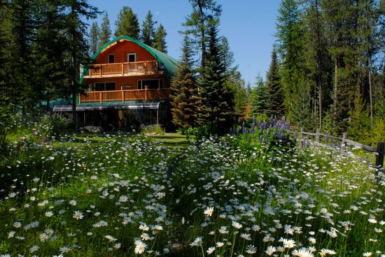 Moss Mountain Inn at Glacier National Park