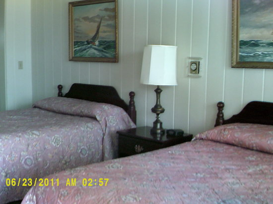 Jasper&#39;s Motel &amp; Restaurant: Standard Room 2 Double beds