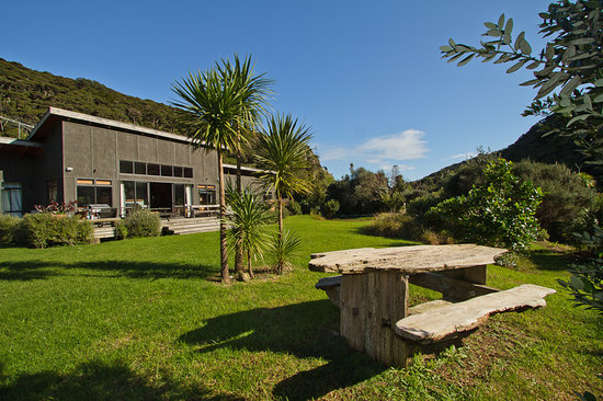 Piha Beachstay Accommodation