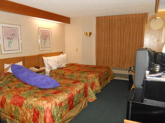 Sleep Inn: 2 double beds with plenty of room