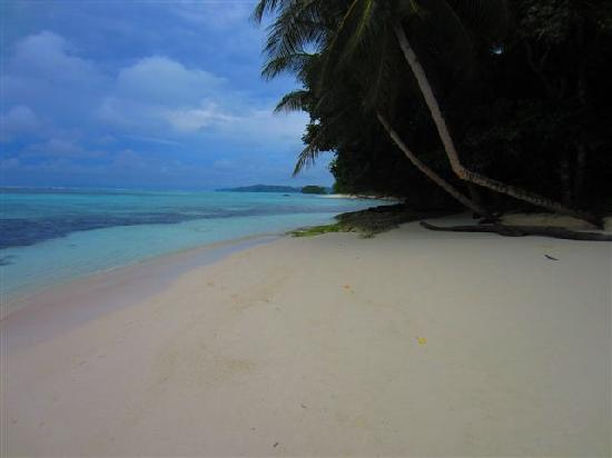Gizo, Solomon Islands: Sanbis - Other side of the island
