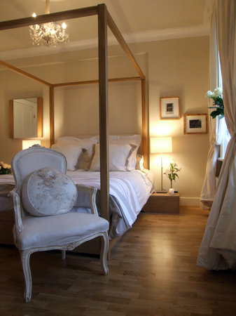 Ossian Guest House: rose room