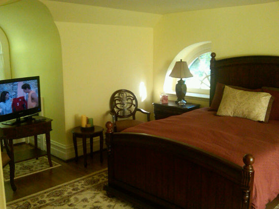 Stony Point Bed &amp; Breakfast: 3rd Floor Master Bedroom