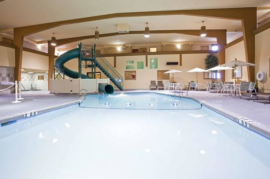 Holiday Inn Great Falls: Hotel Pool and Waterslide