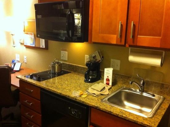 ‪‪Candlewood Suites Tallahassee‬: kitchen‬