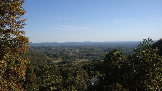 Blue Ridge Manor Bed and Breakfast: View of the Blue Ridge Mountains