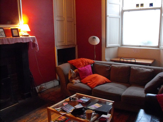 The front lounge at Kilkenny Tourist Hostel