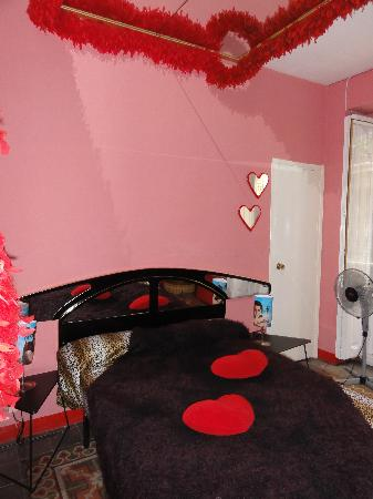 Feetup Hilux Hostel Valencia : The Love room!