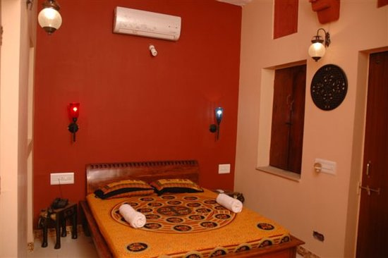 Hem Guest House