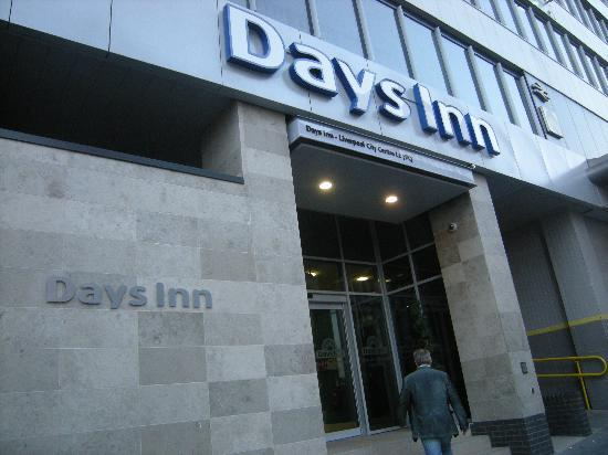 Days Inn City Centre Liverpool: entrance