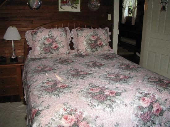 Ox-Ford Farm Bed &amp; Breakfast Inn: another upstairs bedroom