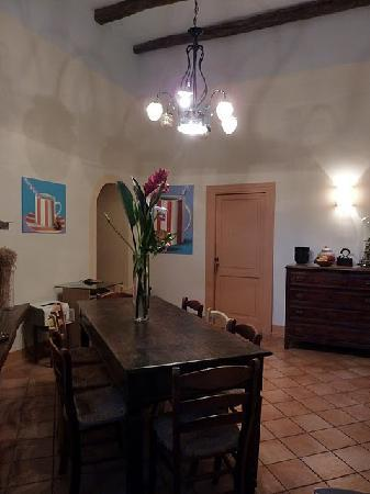 Casa Astarita Bed and Breakfast: Breakfast room