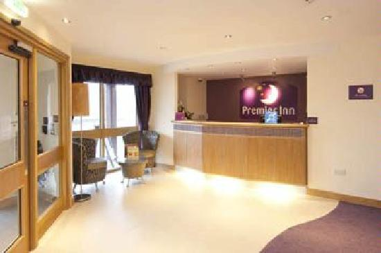 Premier Inn Rugeley: Reception