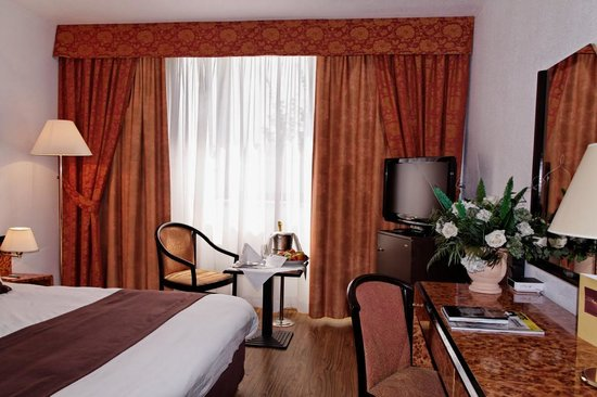 Hotel cezanne aix en provence france hotel reviews for Hotel cezanne boutique hotel