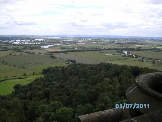 Leapark Hotel: The view from the top of the Wallace monument