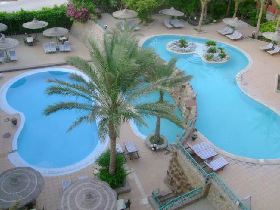 Sun & Sea Hotel: the swimming pools