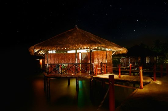 Loola Adventure Resort: Water chalet/huts that we stayed in