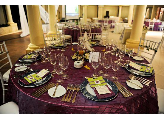 wedding reception table set up & Ola\u0027s blog: It 39s not really a Christmas table setting but this set ...