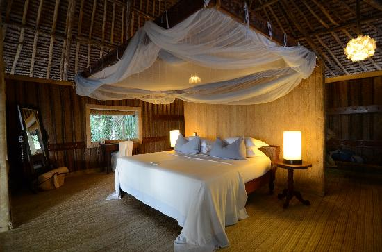 andBeyond Mnemba Island Lodge: Bed