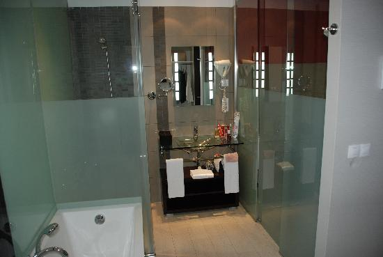 Salle De Bain Moderne Picture Of Hotel Spa Villa Olimpica Suites Barcelona Tripadvisor