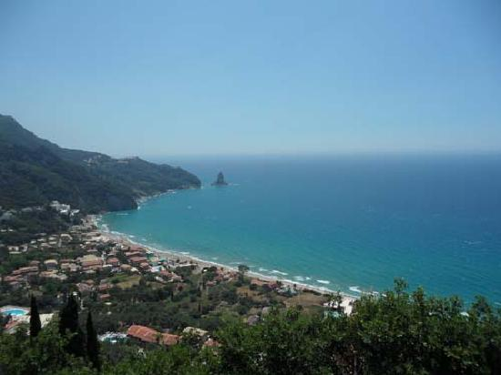 Aphrodite Apartments: Agios Gordis Beach