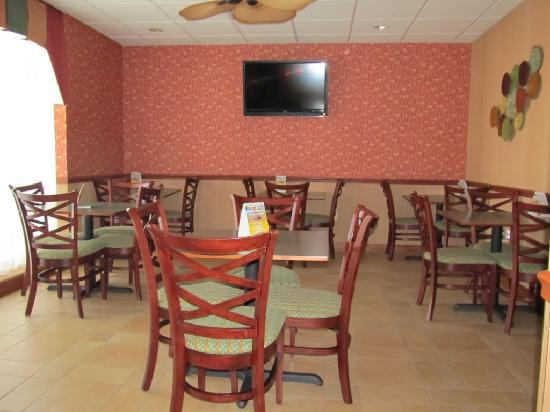 Comfort Inn Troutville: Breakfast room