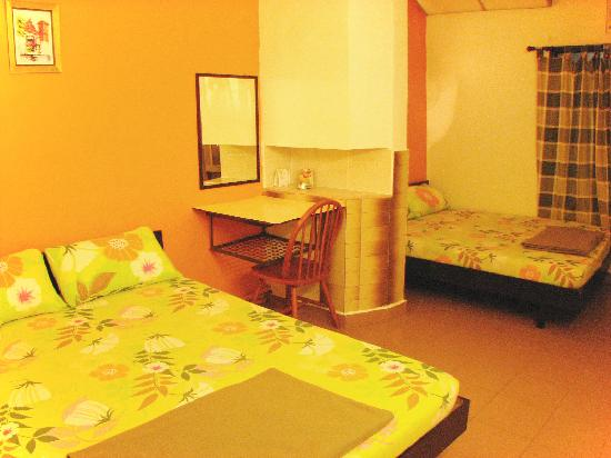 Chong Hoe Hotel: RM80 air-conditioned room with bathroom attached