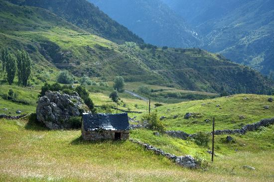 Sallent de Gallego - Formigal, Espagne : a walk in the neighboorhood